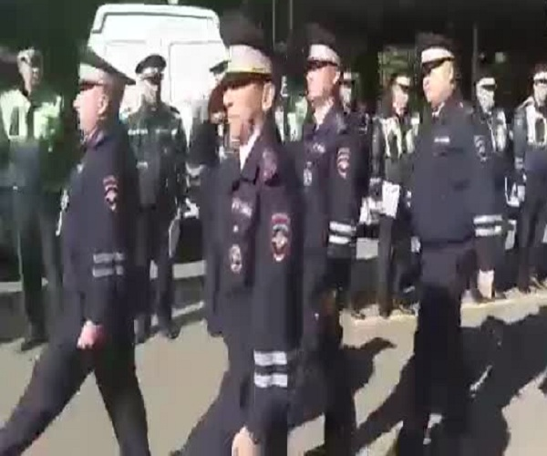 Пьяный полковник заставил маршировать подчиненных