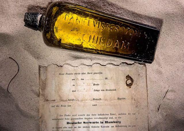 Старейшая в мире записка в бутылке, обнаруженная спустя 131 год (4 фото)