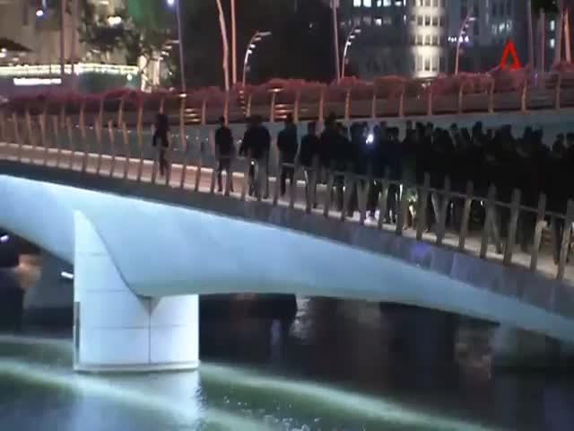 Ким Чен Ын гуляет по центру Сингапура