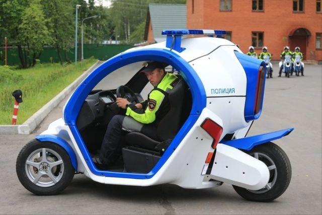 Московская полиция получила от концерна «Калашников» четыре электромобиля «Овум» (5 фото)