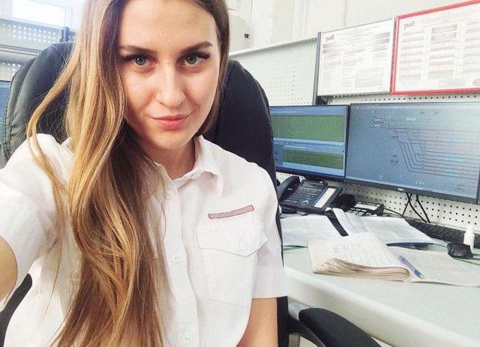 Работа девушек на железной дороге как стать самой красивой девушкой на работе