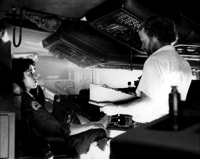 """Как Ридли Скотт стал режиссером """"Чужого"""", а Сигурни Уивер - исполнительницей главной роли (9 фото)"""