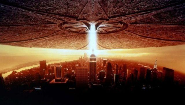Улица Макао напомнила пользователям сети фильмы про пришельцев (3 фото)