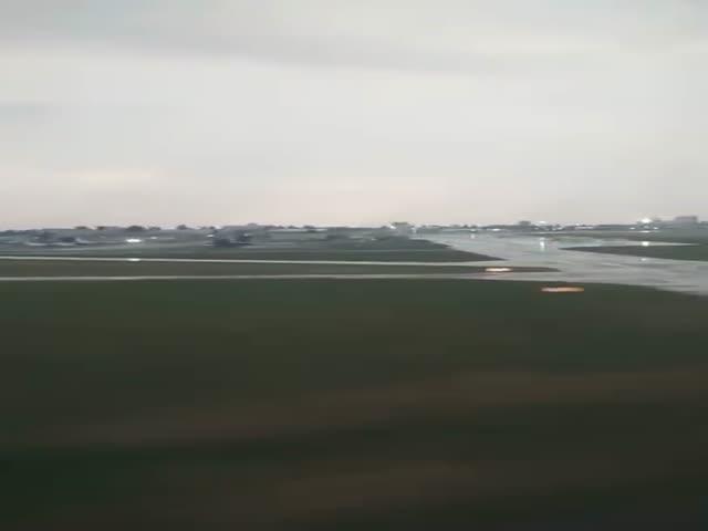 Шокируются посадка пассажирского самолета в киевском аэропорту