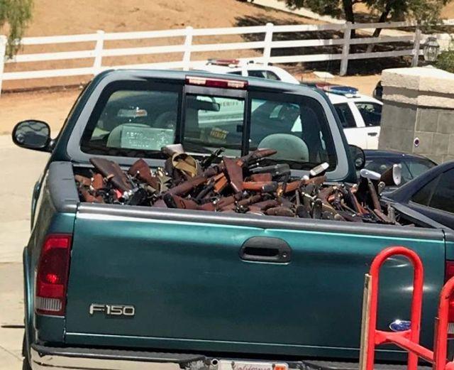 В доме пожилого американца обнаружили огромный арсенал оружия (4 фото)