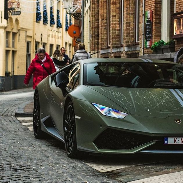 Вандалы повредили суперкар Lamborghini Huracan Avio за 280 000 евро (4 фото)