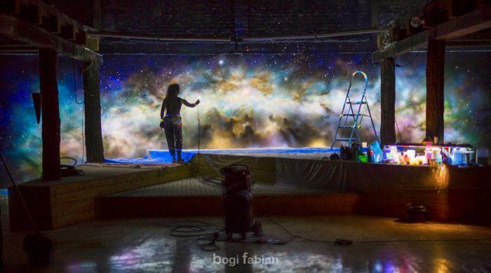 Прекрасное оформление комнат от художницы Боги Фабиан (17 фото)