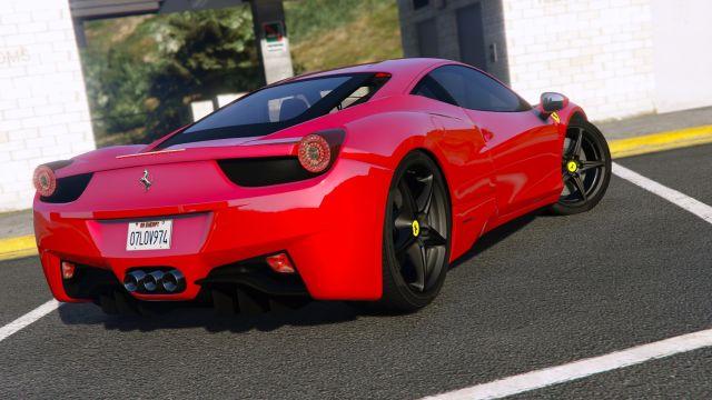 Девушка разбила арендованный Ferrari, как только села за руль (3 фото + видео)