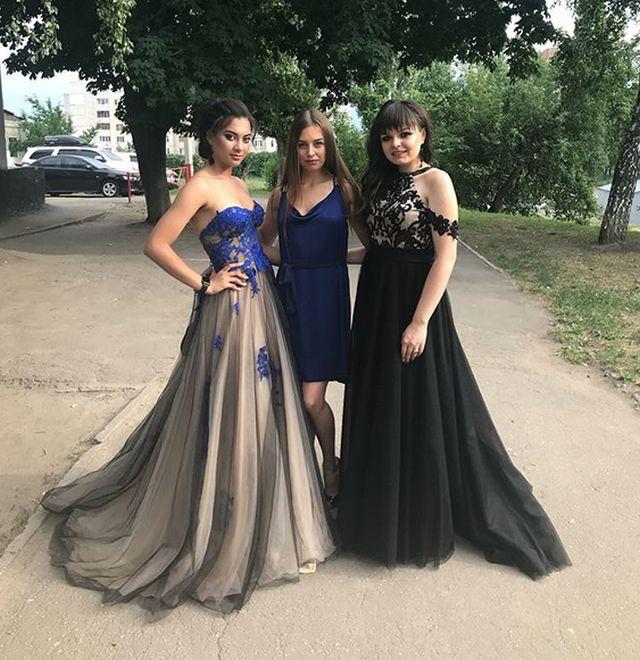 Выпускницы 2018 года в шикарных нарядах (23 фото)