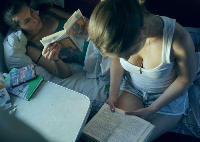 Девушки в российских поездах (17 фото)