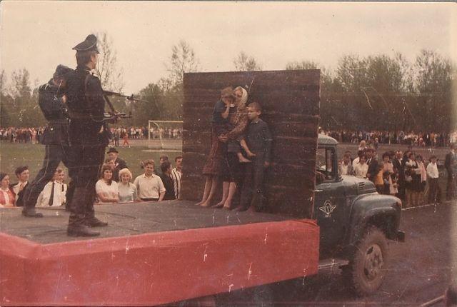 Необычные платформы во время парада к 30-летней годовщине Победы в Великой Отечественной войне (16 фото)