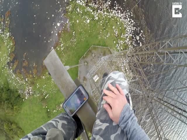 Экстремальный спуск по стальному тросу с высоты в 80 метров