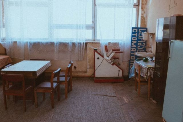 Нетронутое советское здание в Грузии (16 фото)