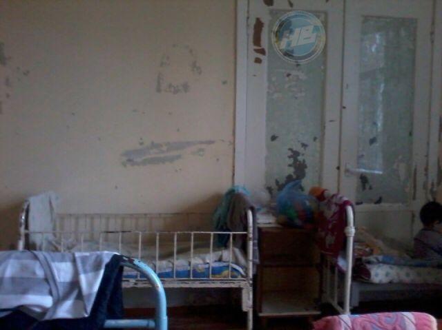 Снимки из детского инфекционного отделения ЦРБ (9 фото)