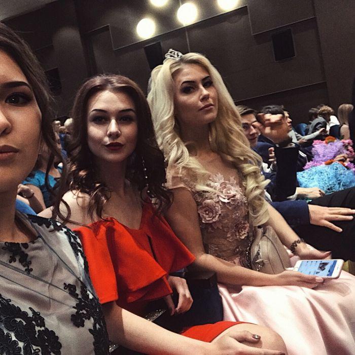 Выпускницы 2018 года делятся своими снимками в социальных сетях (20 фото)