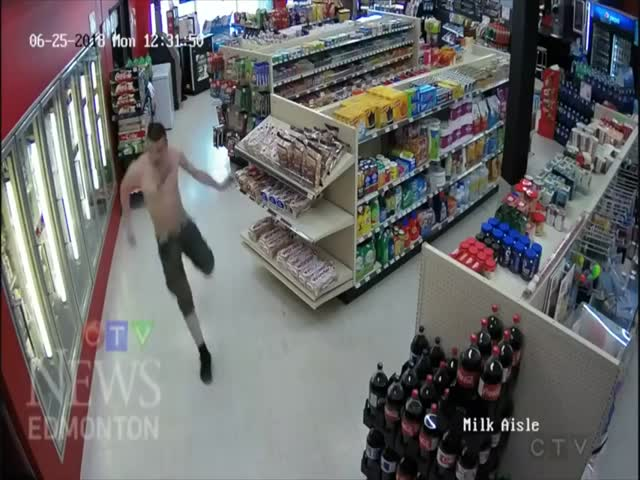 Нелепый арест подозреваемых в магазине в Канаде