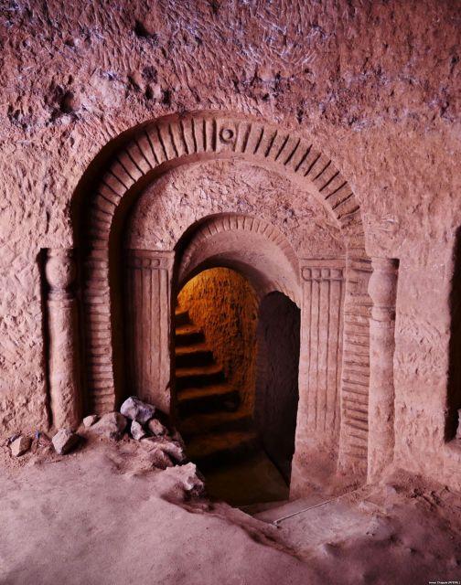 Житель Армении построил подземный храм своими руками (14 фото)