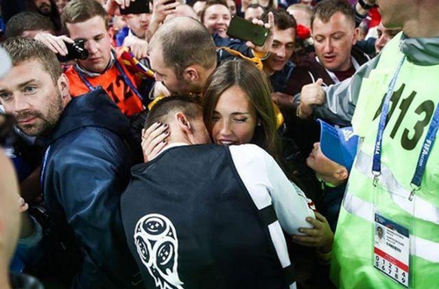 Спутницы и жены футболистов сборной России (20 фото)