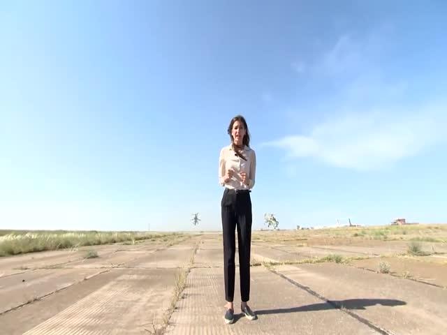 Журналистка чуть не погибла, снимая сюжет на аэродроме