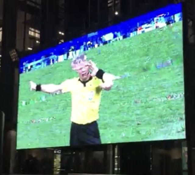Футбол объединяет болельщиков всех возрастов (3 фото)