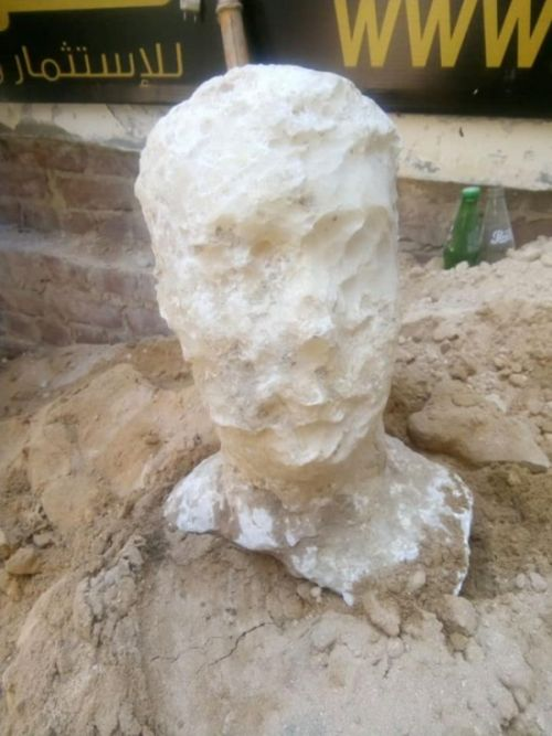 Археологи нашли в Александрии загадочный саркофаг (3 фото)