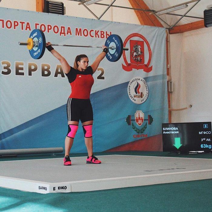 Девушка с характером и стальными мышцами (11 фото)