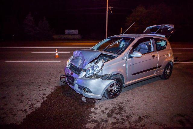 Протаранила автомобиль мужа, отомстив за супружескую неверность (3 фото)