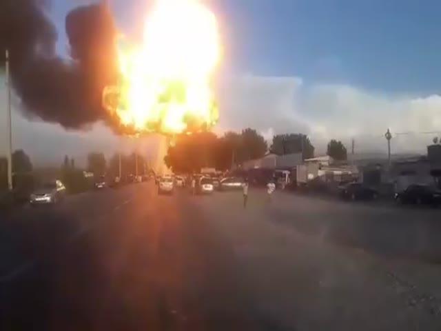 Взрыв заправки на границе Киргизии и Таджикистана