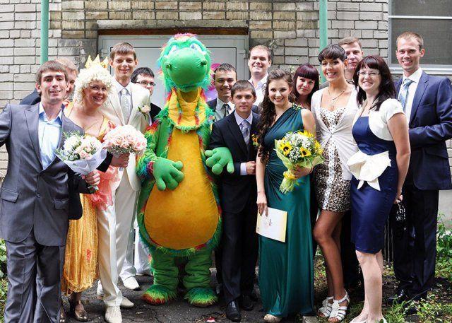 Суровый и беспощадный выкуп невест (28 фото)