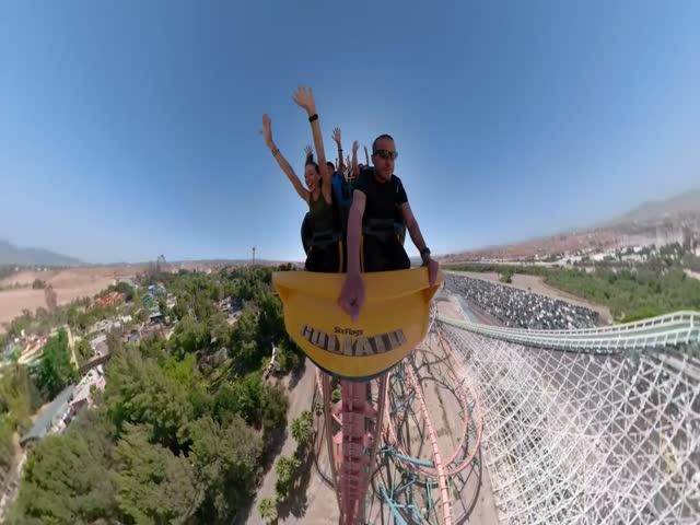 Поездка на американских горках, снятая на 360-градусную камеру