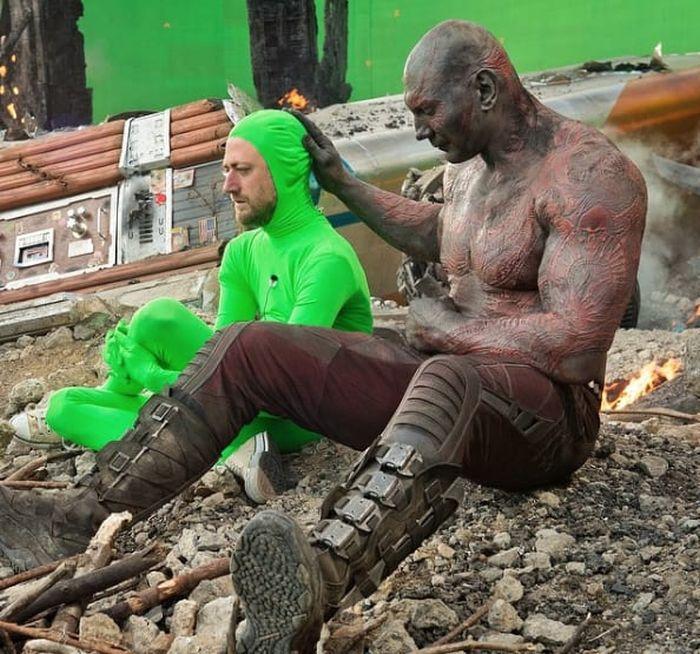 На съемочной площадке фильмов от Marvel (35 фото)