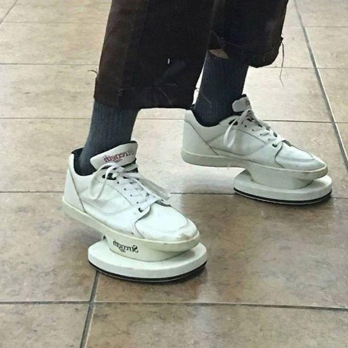 Странная дизайнерская обувь (20 фото)