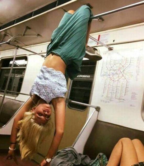 Странности в метро (32 фото)