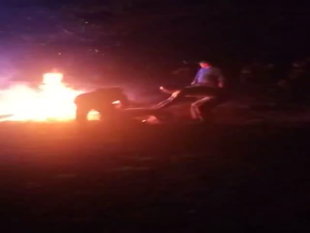 Девушка упала в костер во время гуляний на Ивана Купала