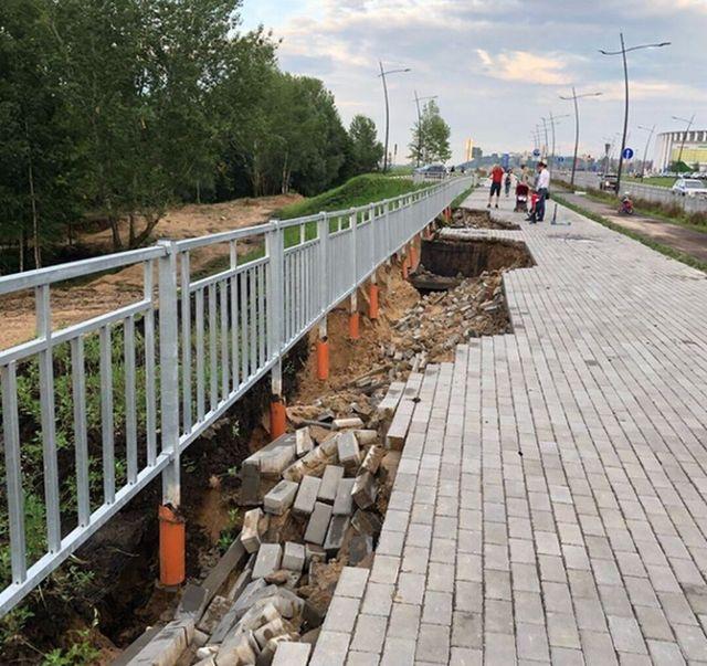 Ливень размыл набережную возле стадиона, построенного в Нижнем Новгороде к ЧМ-2018 (4 фото + видео)