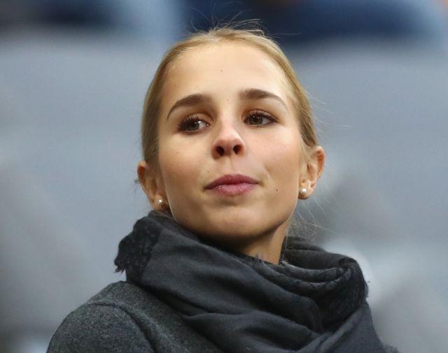 Возлюбленные и жены известных футболистов ЧМ 2018 (47 фото)
