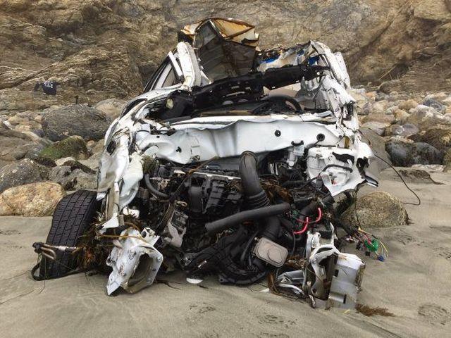 Девушка выжила после падения с 60 метров и 7 дней, проведенных на безлюдном пляже (7 фото)