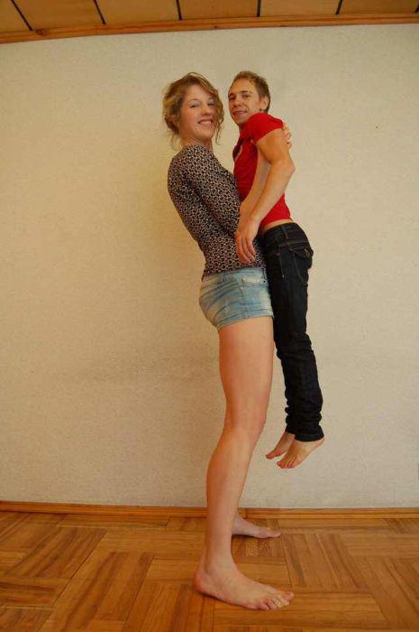Невероятно высокие девушки (23 фото)