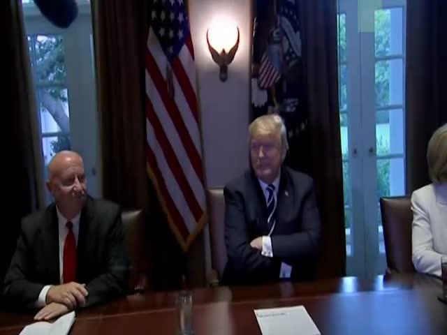 В Белом доме погас свет во время пресс-конференции президента США