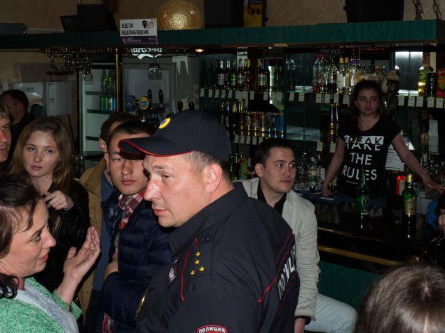 Сельская дискотека - не самое безопасное место (9 фото)