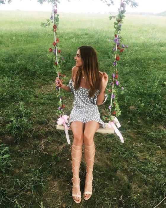 Девушки в соблазнительных летних платьях (35 фото)