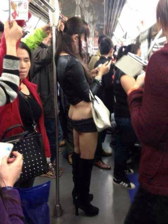 Китайские девушки и ультракороткие шорты (6 фото)