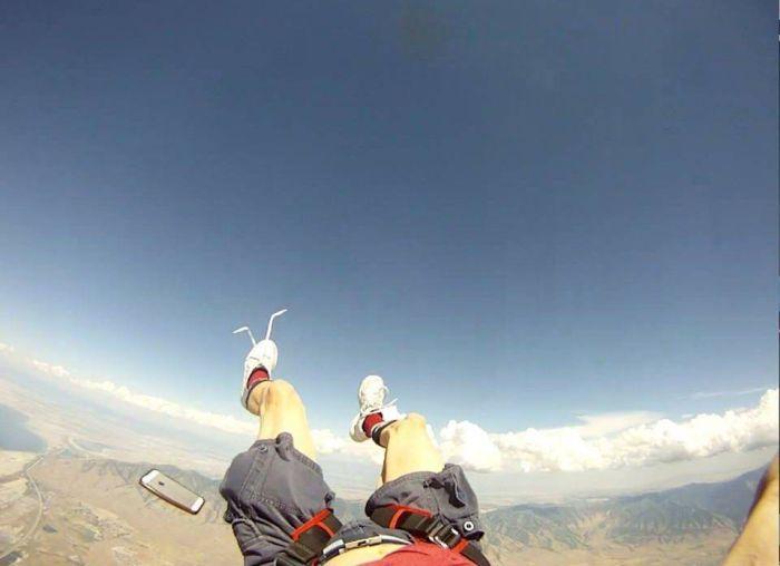 Фейл во время прыжка с парашютом (5 фото)