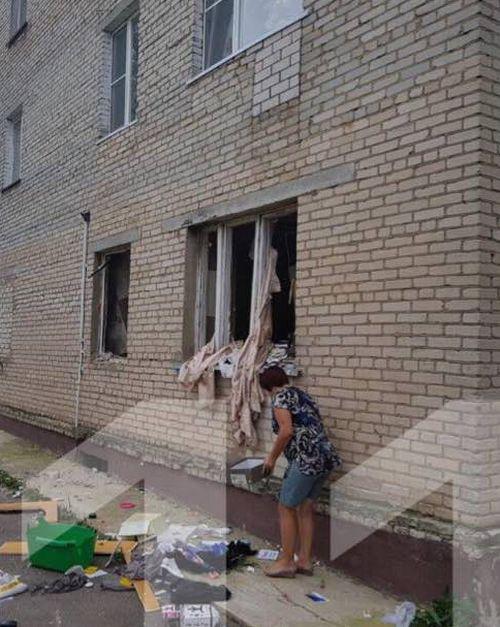 Последствия взрыва бойлера в квартире (3 фото)