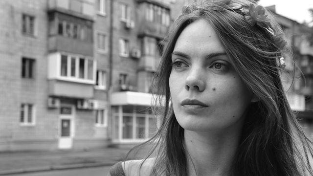 Основательница Femen Оксана Шачко покончила жизнь самоубийством (2 фото)