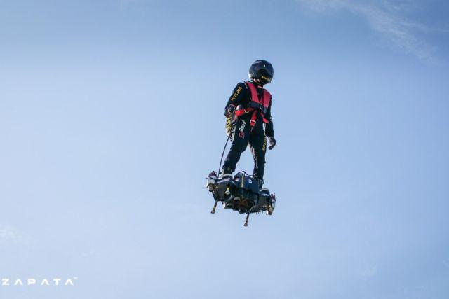 Усовершенствованная реактивная летающая доска от Flyboard Air (2 фото + видео)