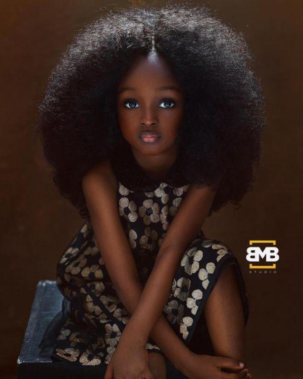 Британские СМИ назвали 5-летнюю Джейр из Нигерии самой красивой девочкой в мире (5 фото)