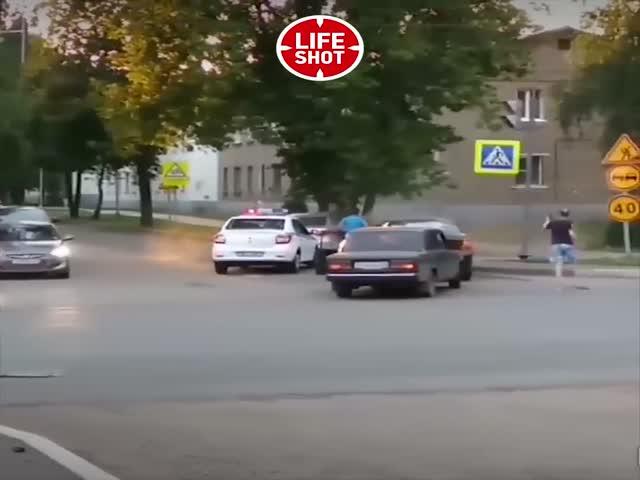 Пьяный таксист хотел уйти от полицейской погони