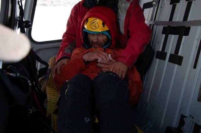 Альпиниста Александра Гукова спасли после недели, проведенной на высоте в 6200 метров (6 фото)