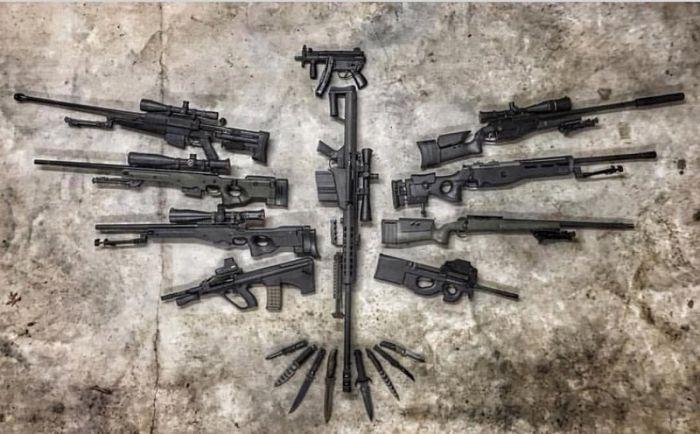 Amerikalılar Silah Koleksiyonlarını İnternette Yayınlıyorlar(24 Fotograf)
